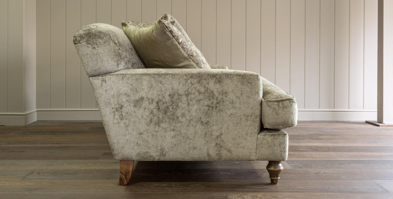 Claudius sofa